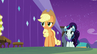 Applejack tells Rara the truth about Svengallop S5E24