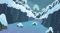Giant chasm S2E11
