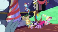 Pinkie Pie shrieks at living pudding MLPBGE