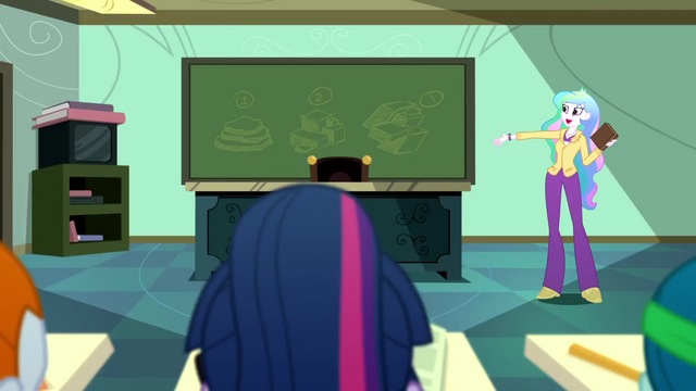 File:Principal Celestia beginning the lesson SS8.png