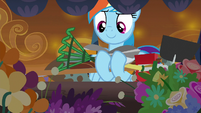 Rainbow Dash finds gardening tools S9E2
