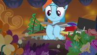 Rainbow Dash finds gardening tools S9E2