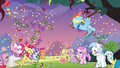 Rainbow hitting the pinata S4E12.png