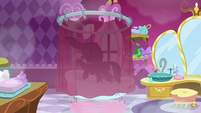 Rarity whips her mane in the shower S7E19
