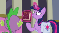 "Twilight ""I didn't return this book!"" S9E5"
