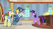 "Twilight ""these two are up to something"" S8E16"