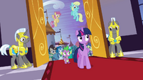 Twilight and Spike enter the castle S4E01