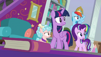 Twilight and friends hear someone at door S8E25