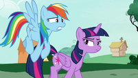 Twilight looking annoyed at Rainbow Dash S7E19