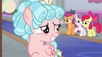 Cozy Glow giving Crusaders a fake smile S8E26