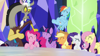 Discord knocking on Pinkie's head S5E22