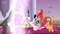 Mac, Granny, and CMC freed by light S9E2