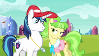 Peachbottom flirts with Shining Armor S03E12