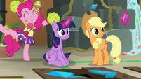 Pinkie Pie congratulates Twilight Sparkle S7E2