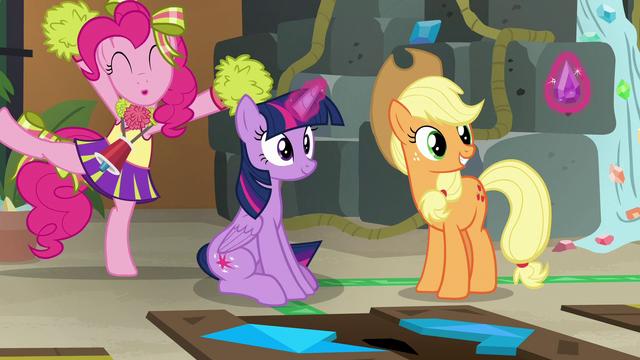 File:Pinkie Pie congratulates Twilight Sparkle S7E2.png