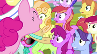 "Pinkie Pie shouting ""toppings!"" MLPS5"