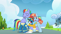 Rainbow Dash reconciles with her parents S7E7.png