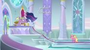 S09E26 Twilight, Spike i Luster w sali tronowej