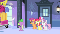Spike -easy, peasy, cider squeezy- S4E24