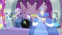 Throwback holograms playing music EGROF