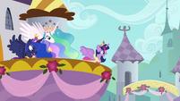 Twilight's first royal address S03E13