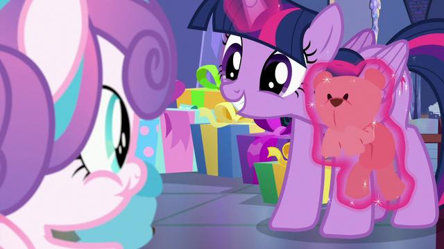 File:Twilight smiling at Flurry Heart while levitating a teddy bear S7E3.png