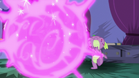 Twilight teleports away from Spike S8E11