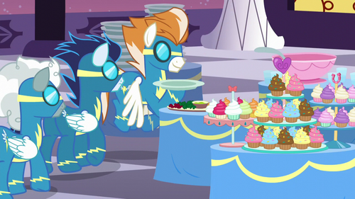 Wonderbolts queue up to get their plates S5E15