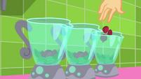 Applejack drops chopped beets in blenders SS9
