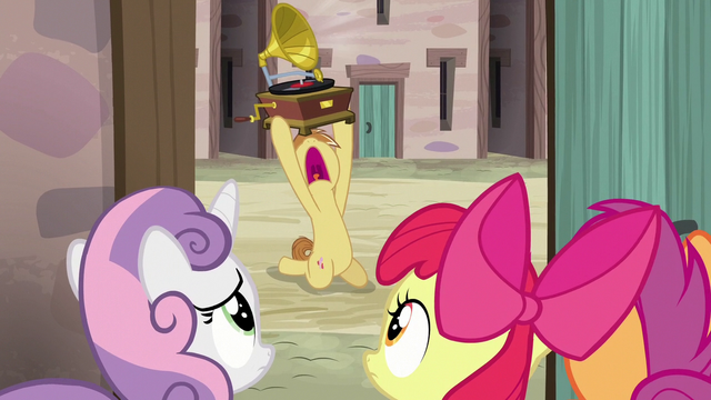 File:Feather Bangs serenading Sugar Belle outside her door S7E8.png