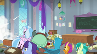 Students watch Rockhoof crash into wall S8E21