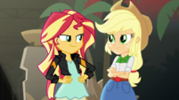 Sunset Shimmer and Applejack smirking EGS2