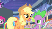 Applejack -not makin' a lick of sense- S4E24