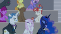 Audience ponies continue laughing S8E7.png