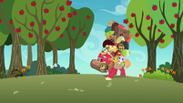 Big Mac carrying Gold Horseshoe Gals' luggage S8E5