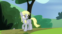 Derpy looking perplexed S7E4