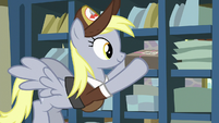 Derpy puts package on outgoing mail shelf S8E10
