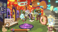 Discord and his duplicate surrounded by chaos S7E12