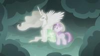 Spike hugging Princess Celestia's hoof S7E1