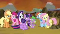 Twilight's friends gathering around Twilight S4E26