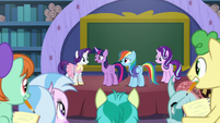 "Twilight ""you still found time to be together"" S8E17"