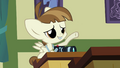 Featherweight raises his hoof S2E23.png