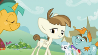 Featherweight shows off his cutie mark S2E23
