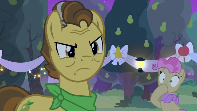 File:Grand Pear forcing Pear Butter to choose S7E13.png