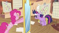 Pinkie Pie moving mirror S2E20