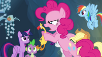 Pinkie shouting at Boneless S4E25