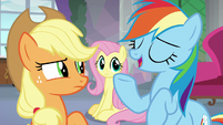 Rainbow Dash laughs back at Applejack S8E9