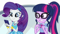 Rarity sending one more text to Timber CYOE3a