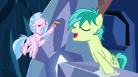 Silverstream and Sandbar singing together S9E3