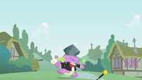 Spike gets hit by rock instead of hat S01E15